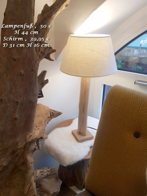 tischlampe-Holz-Stamm